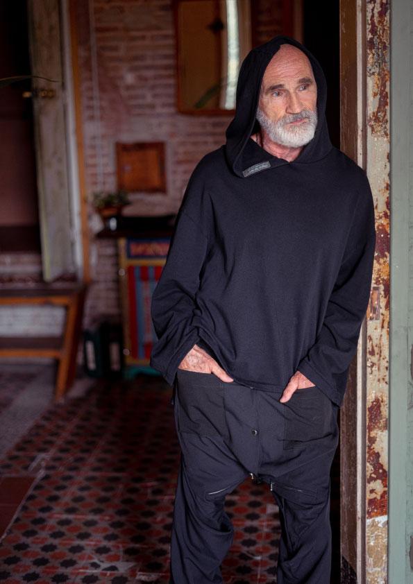 sustainable-hoody-and-pants-handmade-in-Barcelona-moda-ecologica